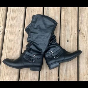 ⭐️NEW⭐️AWESOME White Mountain Black Boots